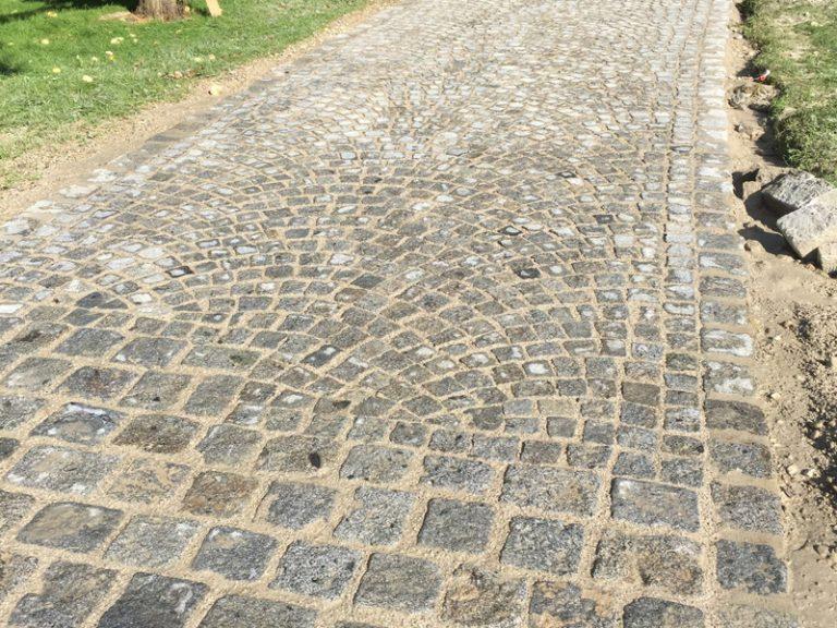 Pflasterverlag: Kleinpflastersteine und Steinplatten vom Pflastermeister aus Linz