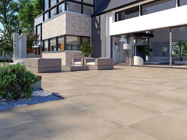 Pflasterverlag - Terrasse mit Keramiksteinen