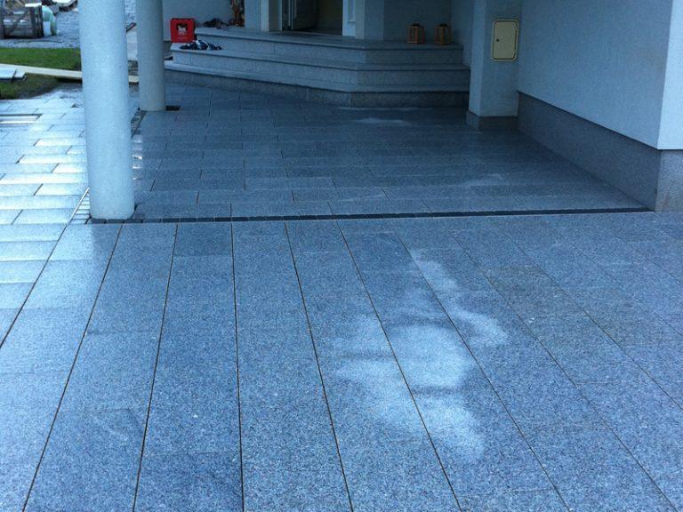 Pflasterverlag - Natursteinpflasterung bei Einfamilienhaus in Wels