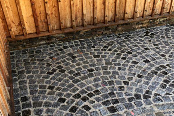 Pflasterverlag: professionelle Verlegung von Kleinpflastersteinen