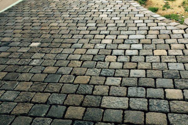 Pflasterverlag - Verlegung von Großpflastersteinen in Steyr